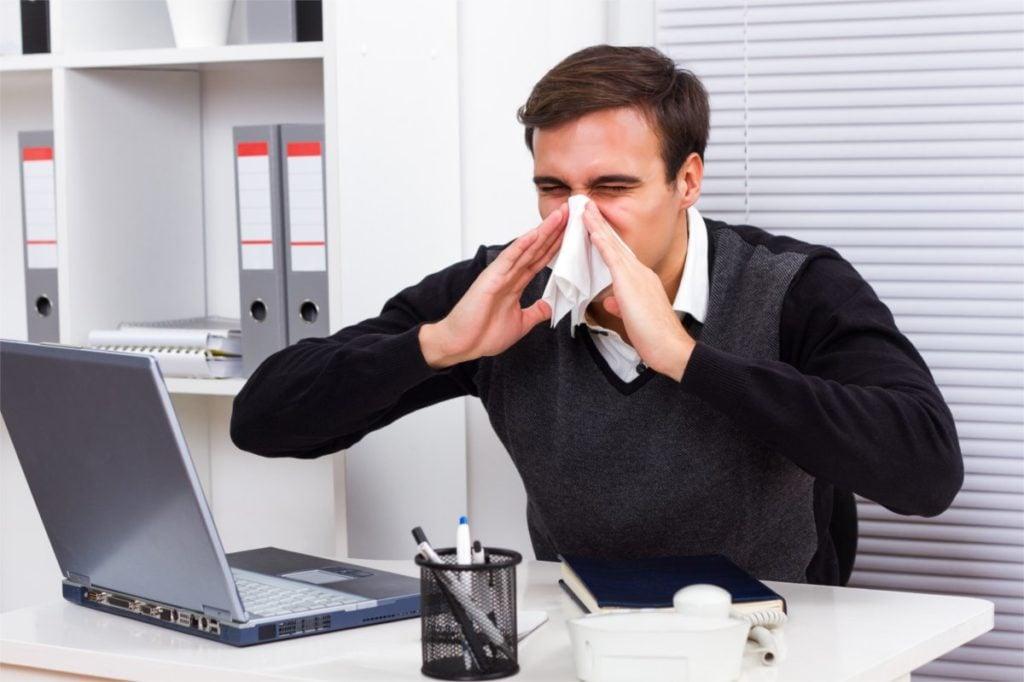 Jak pracodawca ma dbać o bezpieczeństwo pracowników w trakcie pandemii?