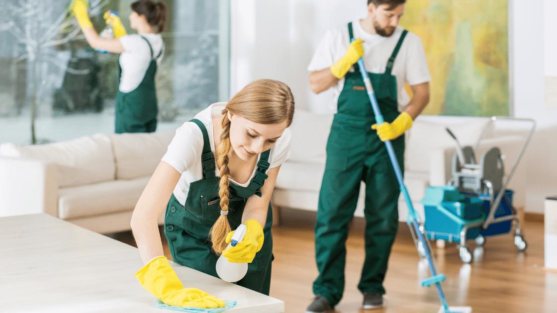 Sprzątanie to idealny pomysł na biznes na wsi lub pomysł na biznes w małym miasteczku.