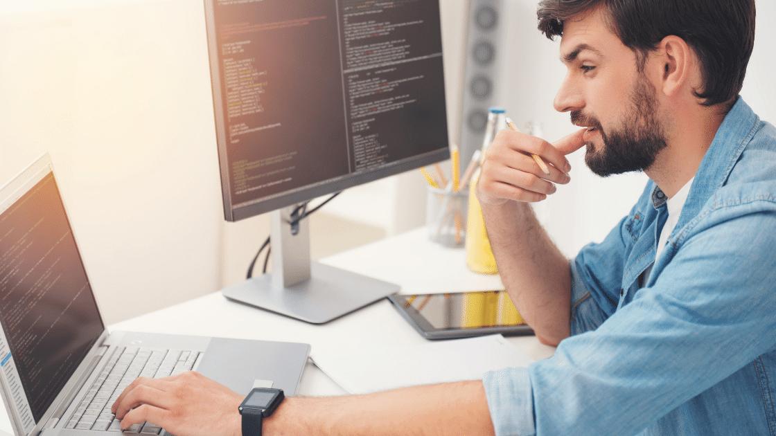 Programista do może i dobry pomysł na firmę w domu (zwłaszcza na wsi lub w małym mieście), ale praca ta wymaga dużo przygotowania.